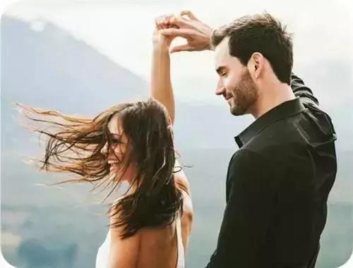 你知道男人很爱一个女人的时候,是什么样子的吗(爱情美文欣赏)