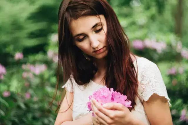 你不懂我的沉默,又怎懂得我的难过 - 伤感美文欣赏