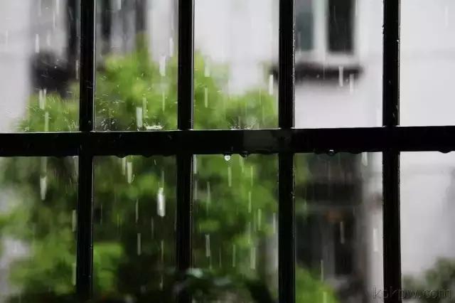看城市在下雨,而我在想你 - 伤感美文欣赏