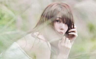 成熟的女人不问过去,聪明的女人不问现在 - 人生感悟语录句子